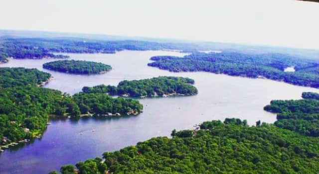 A portion of Lake Hopatcong has been cleared of a harmful algae bloom.
