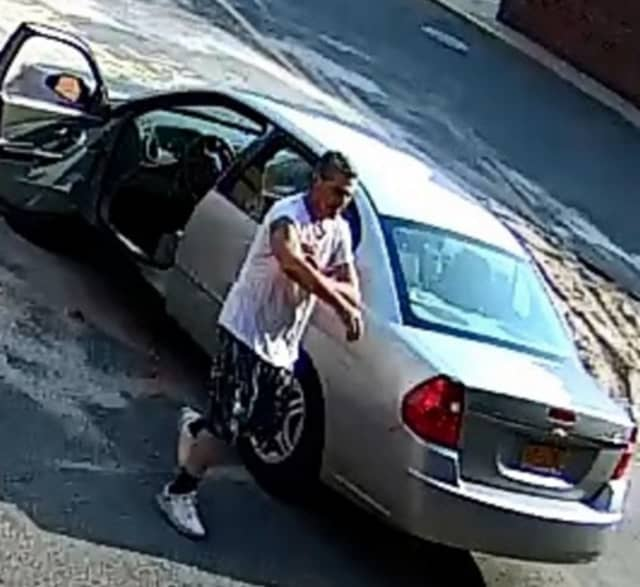 Police are on the lookout for a man suspected of stealing a purse containing cash, credit cards and about $500 worth of hair styling tools from Harry Charles Salon and Spa (106 Jericho Turnpike) on Friday, July 19.