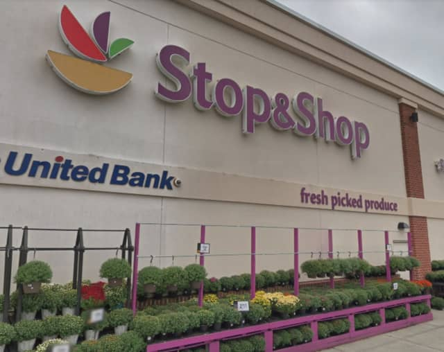 Stop & Shop will hold a series of job fairs on Saturday, Aug. 31 to fill a total of 600 positions in Connecticut, 250 associates in Western Massachusetts, 250 associates in Westchester County and 50 associates in Dutchess County.
