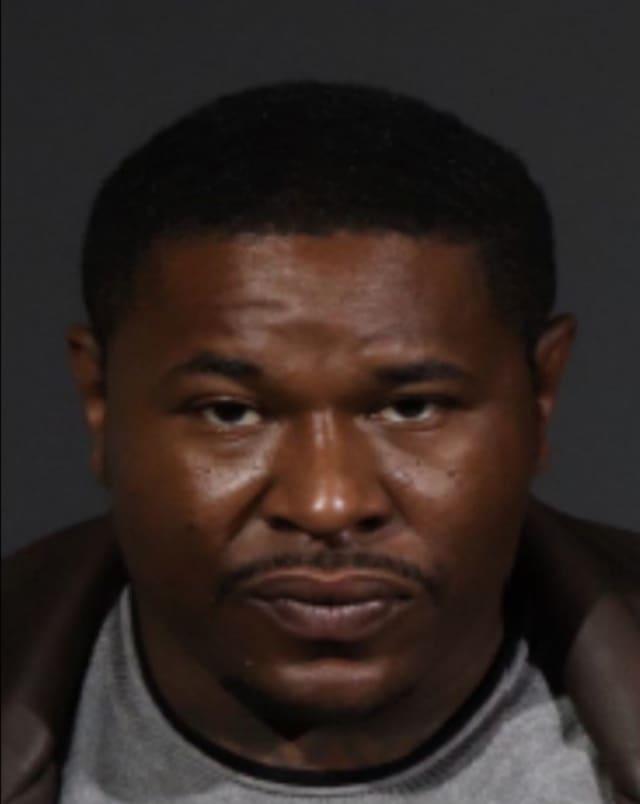 Lameek Dean is wanted in Nassau County.