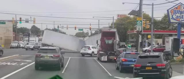 A collapsed tractor trailer shut all US 1&9 lanes in Linden Tuesday