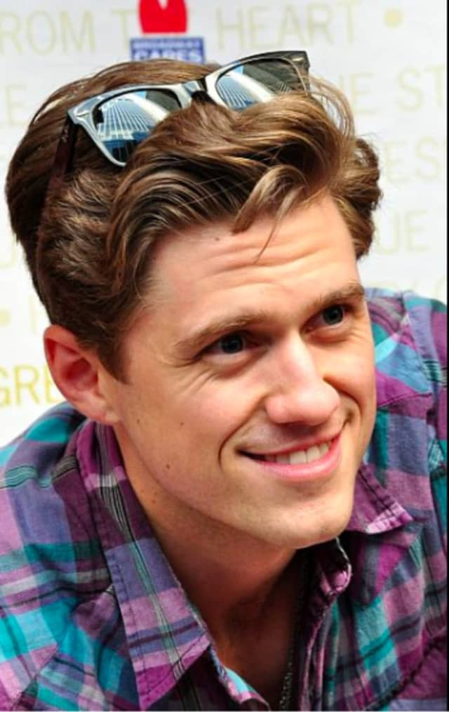 Actor Aaron Tveit