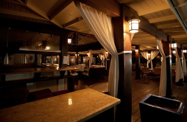 Restauranteurs have been told to reach a compromise with the state over occupancy numbers.
