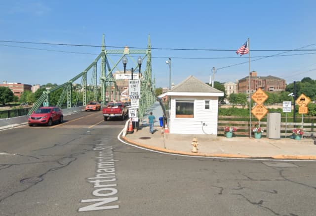 A bridge monitor at the Northampton Street Toll-Supported Bridge between Phillipsburg and Easton, Pennsylvania has tested positive for COVID-19, Delaware River Joint Toll Bridge Commission officials said.