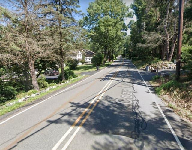 Cozy Lake Road in Jefferson Township