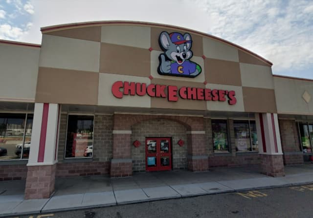 Chuck E. Cheese in Edison