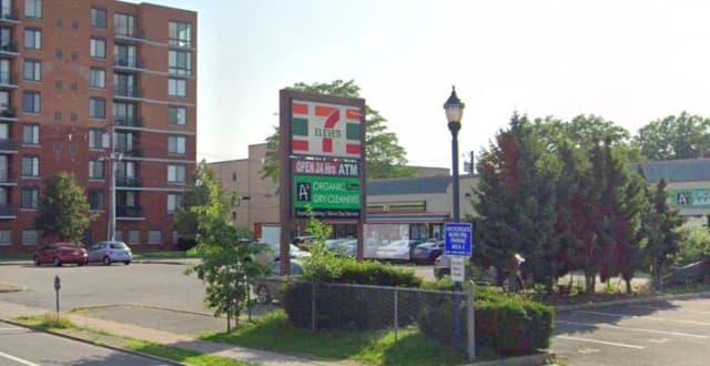 State Street 7-Eleven, Hackensack