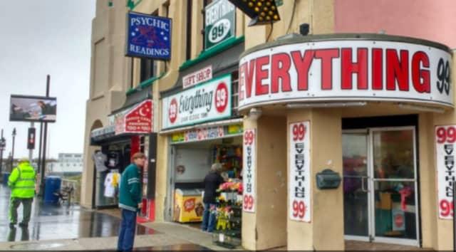 Central Pier $.99 Cents Outlet