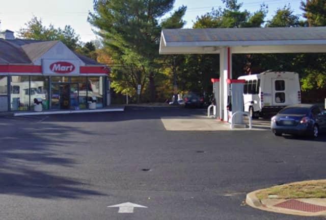 Mays Landing Lukoil at 6068 Harding Highway,