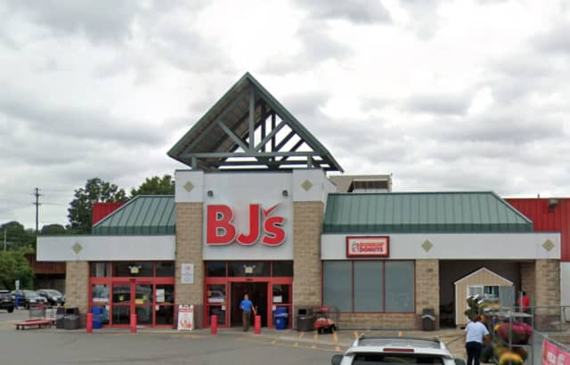 BJs Wholesale Club, which has nearby locations in East Rutherford, Riverdale and Paramus, may soon open a new location at Willowbrook Mall in Wayne, reports say.