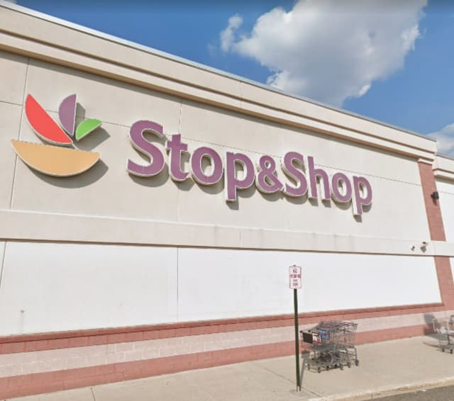 Stop & Shop at 380 West Pleasantview Ave. in Hackensack