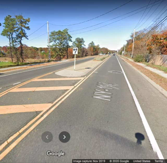 The area of Route 112 in Coram where the crash happened.