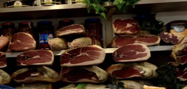 A listeria outbreak linked to deli meats has sickened 10 people and is being blamed for one death, according to the CDC.