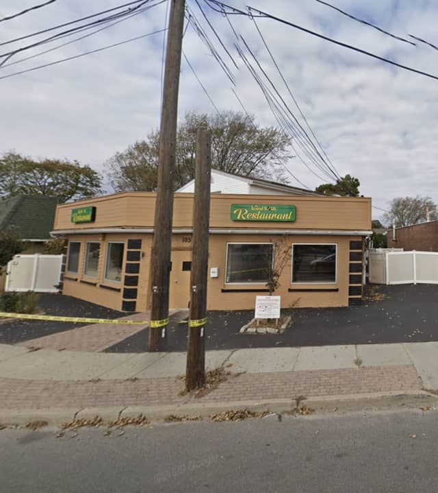 A driver lost control of his vehicle and crashed into a Lindenhurst restaurant.