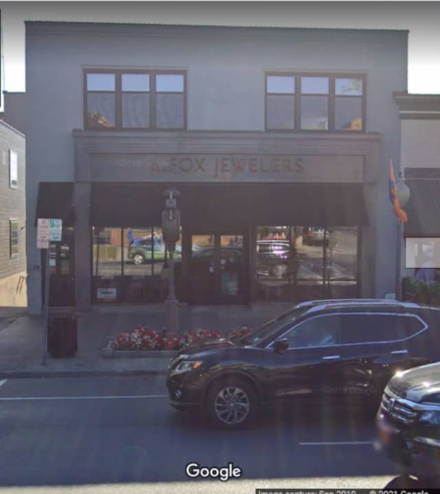 """A worker at this jewelry store in Saratoga Springs has been diagnosed with the first case of the so-called """"Super Strain"""" of COVID-19."""