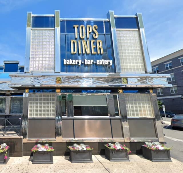 Tops Diner (500 Passaic Ave., East Newark)