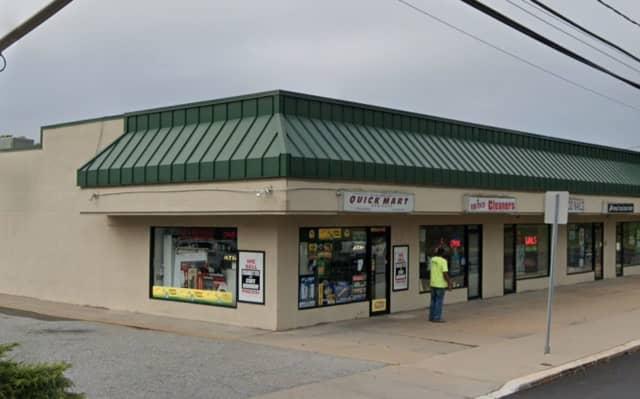 Krauszers Food Store on West Washington Ave. in Washington