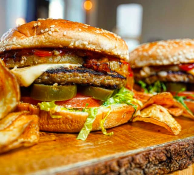 Hamburguesa is opening a second location.