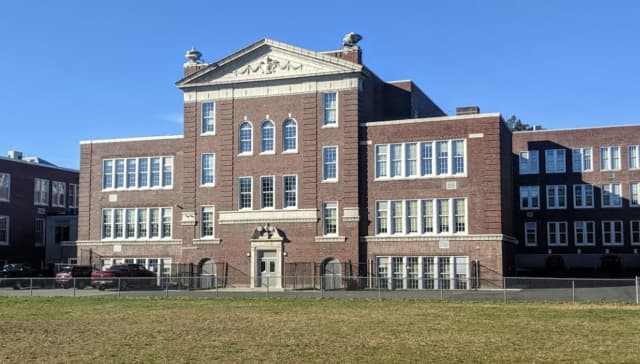 A Mineola Middle School teacher has been removed from the classroom after allegations of sexual abuse.