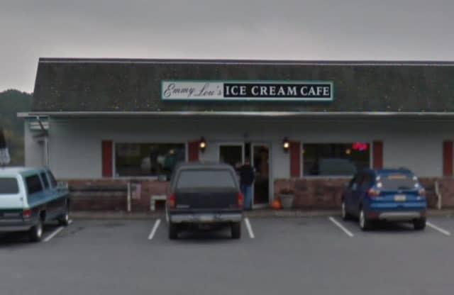 Emmy Lou's Ice Cream Cafe, 492 E Main St Pen Argyl, PA 18072