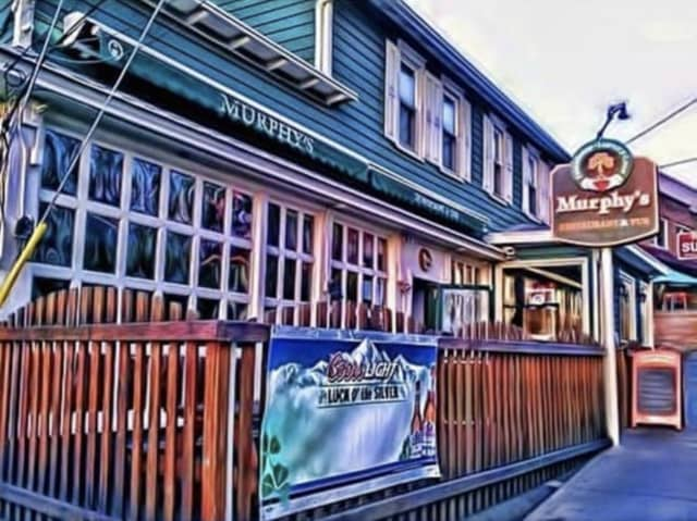 Murphy's Restaurant & Pub in New Paltz is closing its door after more than 30 years in business.