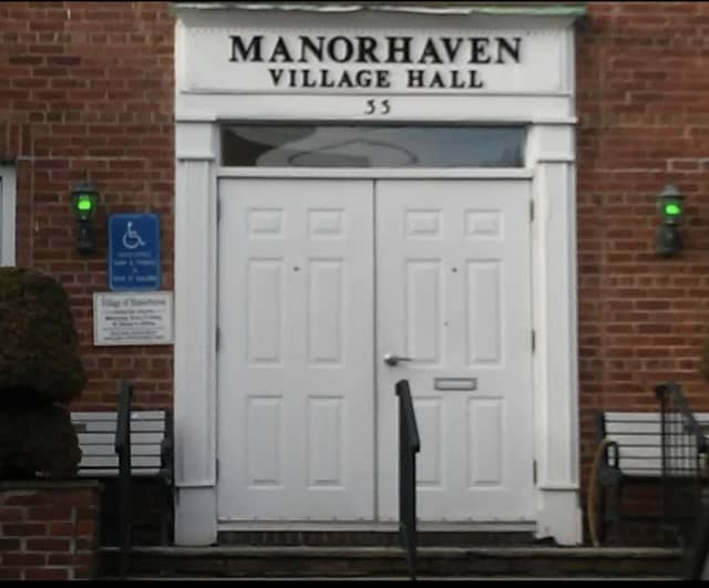 A Manorhaven Village judge, Peter Gallanter, has resigned amid a probe accusing him of making sexist remarks and fixing tickets for friends.