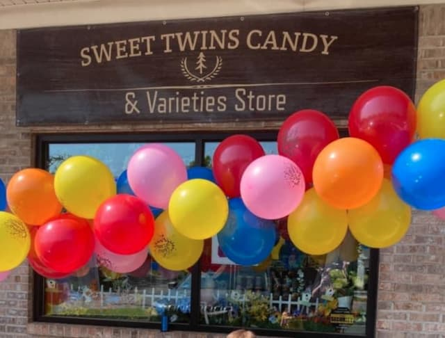 Sweet Twins Candy & Varieties, 188 Breakneck Rd., Store 2, Highland Lakes, NJ