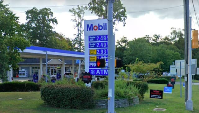 Mobil,1300 Route 35 North,