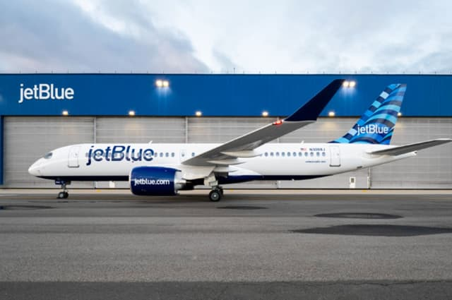 A JetBlue passenger tried storming the cockpit, grappled with half-a-dozen crew members, and then broke free from plastic zip ties during a flight from Boston to Puerto Rico earlier this week, FBI documents show.