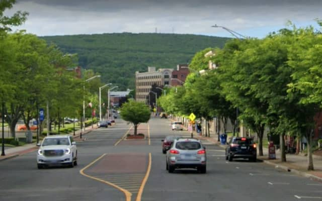 A health food store, a shoe shop, a food truck, and a synthetic manufacturer are among the entities that registered to do business in Bristol in July.