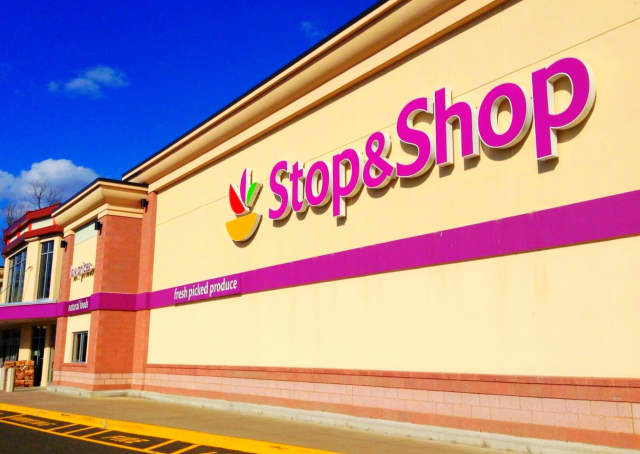Free healthy snacks and hand sanitizer are being handed out to Stop & Shop customers in an effort to help families during the COVID-19 pandemic.
