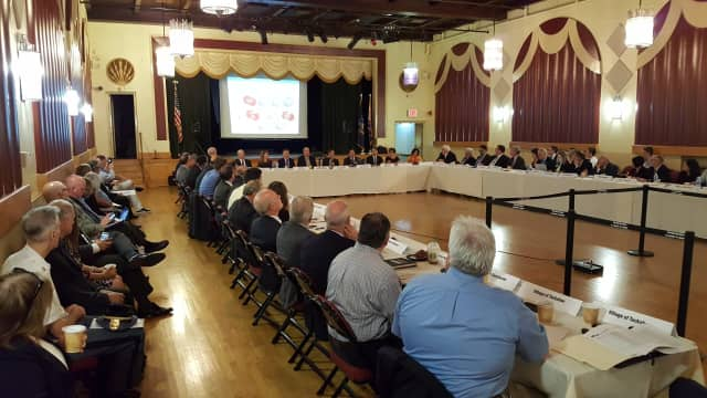 Rob Astorino meets with leaders of 40 Westchester municipalities to discuss sharing services.