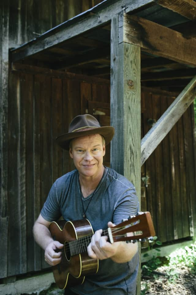 Grammy nominee Shawn Mullins will appear at Fairfield Theatre Company April 9.