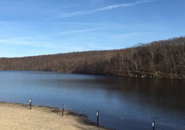 Shepherd Lake is located in Ringwood State Park.