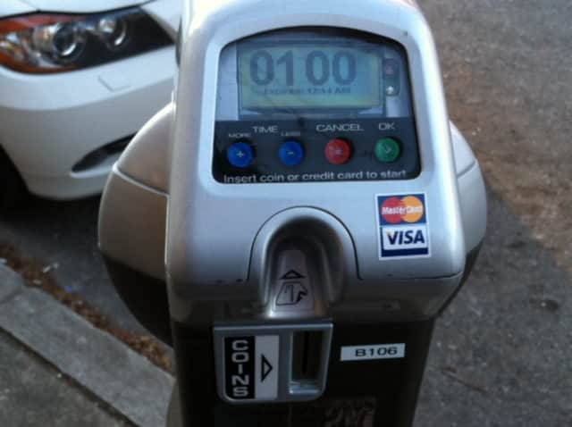 White Plains plans to spend $220,000 installing more than 1,000 new electronic parking meters downtown by this fall.