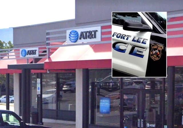 AT&T store, Linwood Plaza, Fort Lee