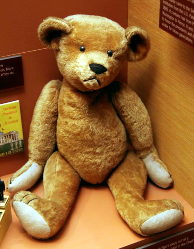 Carmito Lugo, 34, dropped packages containing a teddy bear and mattress top, police said.