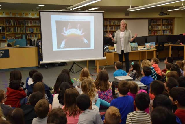 Children's books author Susan Hood visited Todd Elementary School students.