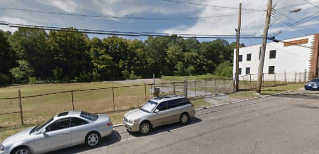 The site of a proposed hotel and restaurant at 09-125 Marbledale Road in Tuckahoe. The project received 3-2 approval from the Tuckahoe Planning Board.