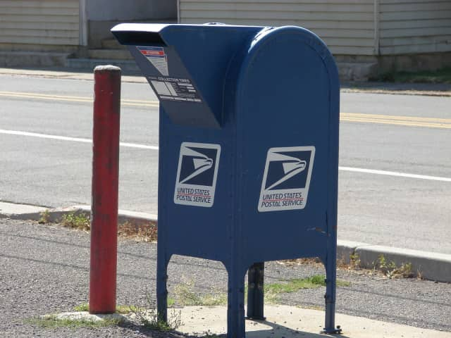 New Canaan residents are being warned of thefts from mailboxes.
