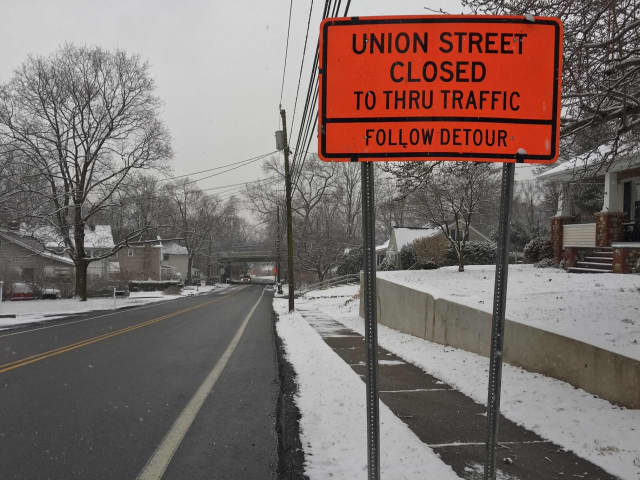 The Union Street bridge connecting Union Street to Goffle Hill Road closed for repairs earlier on Monday until further notice. A sign on Lafayette Avenue warns motorists of the closure.
