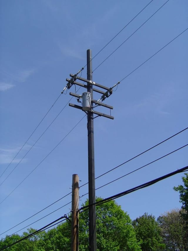 New Castle wants to do something about its 304 double utility poles