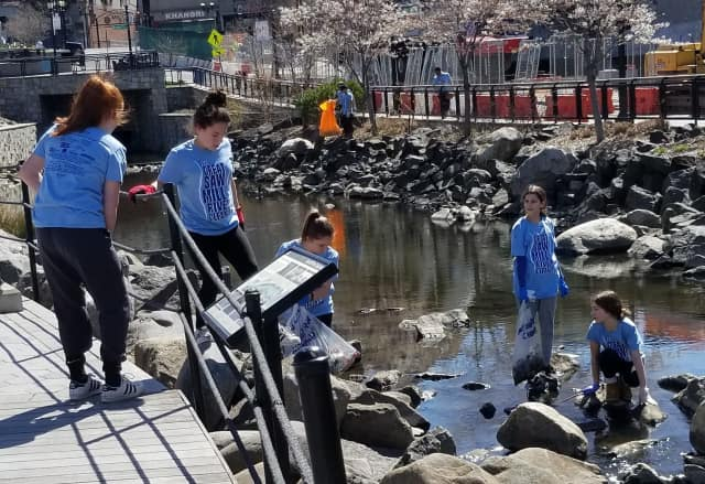 Groundwork Hudson Volunteers, clean up the Saw Mill River as part of Earth Day weekend.