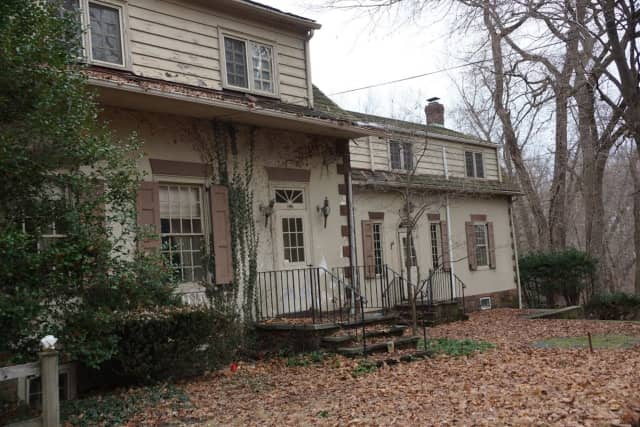 With the borough be able to save the Jacob Vanderbeck Jr. house on Dunkerhook Road in Fair Lawn or will it be raised to make way for new developments?
