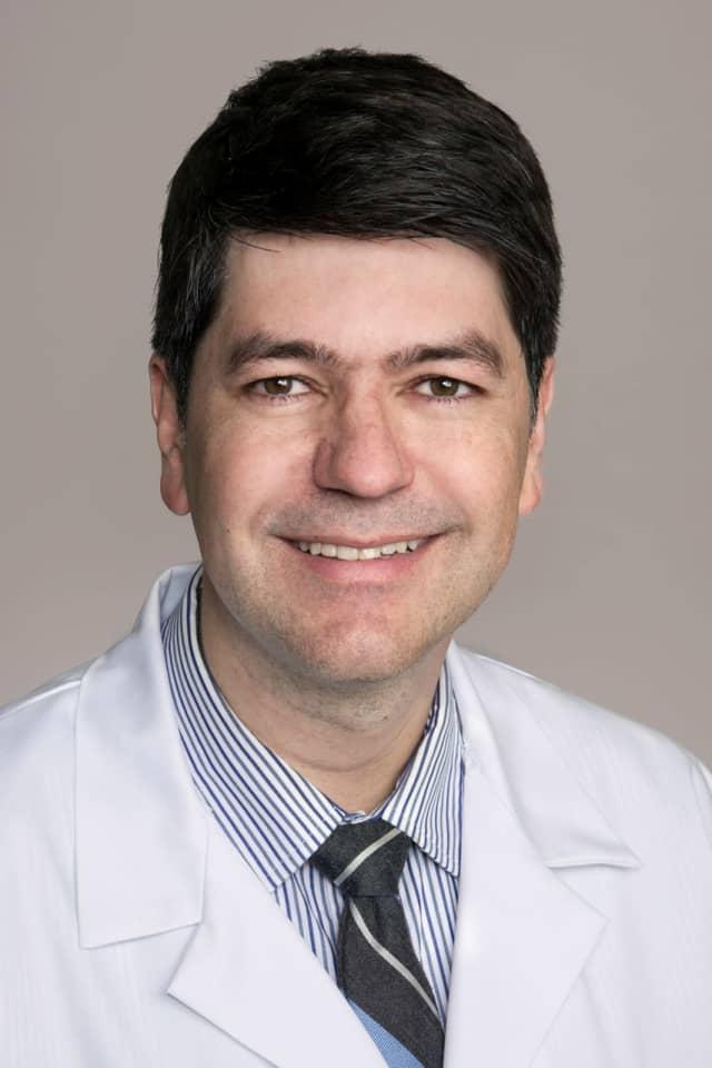 Dr. Julio Vieira.