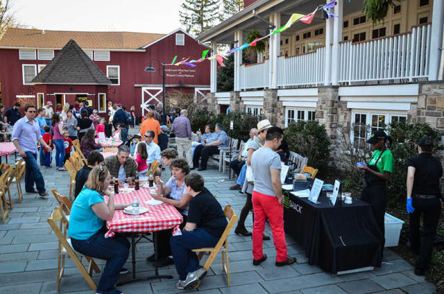 Residents enjoying a previous Westport Country Playhouse Season Kickoff Block Party.