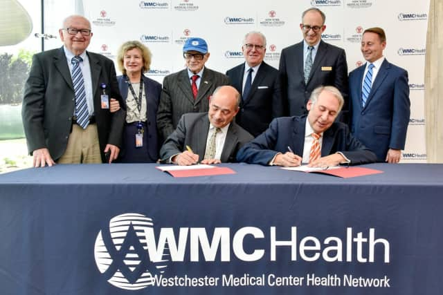 Westchester Medical Center signed a long term agreement with New York Medical College.