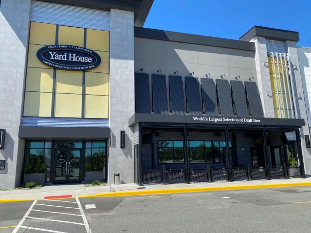 Yard House is opening at the Willowbrook Mall.