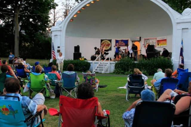 Alive and Kickin concert at Hudson Park.
