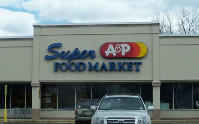 A Foodtown supermarket operator with stores in North Haledon and Cedar Grove plans to buy the A&P store in Washington Township, 315 N. Pascack Rd., N.J.